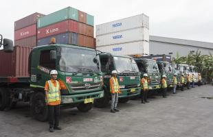 Our Services Land Transportation 3 3d_our_service_container_trucking_ard21788